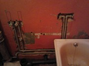 Замена водопроводный труб,  установка счетчиков воды,  монтаж отопительн